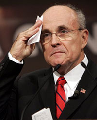 2007-10-12-rudygiulianisweatingitout.jpg