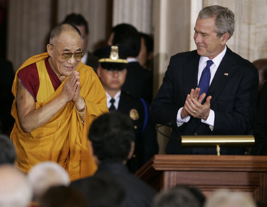 2007-10-18-dalailamabush.jpg