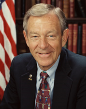 2007-11-30-George_Voinovich_official_portrait.jpg.PNG