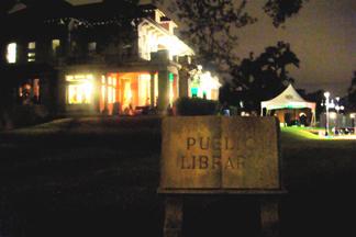 2007-12-23-library.JPG