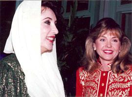 2007-12-29-hentschel_bhutto.jpg