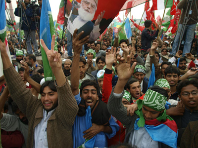 2008-02-17-Crowd_Rally_Pakistan.jpg