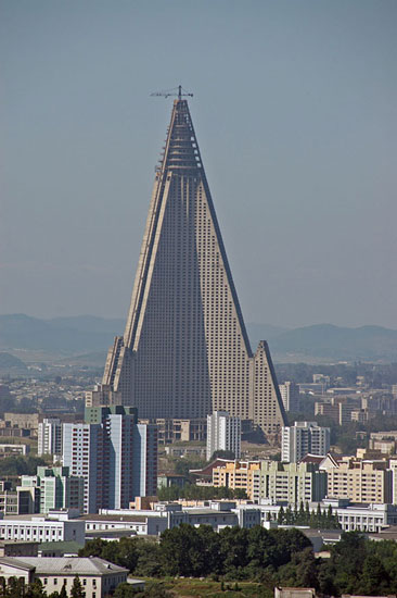 2008-02-26-TheLeaningTowerofPyongyang.jpg