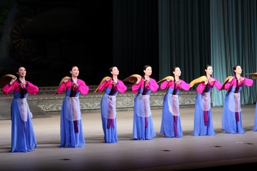 2008-02-26-dancers1.jpg