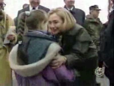 2008-03-26-HillaryTuzla2.jpg