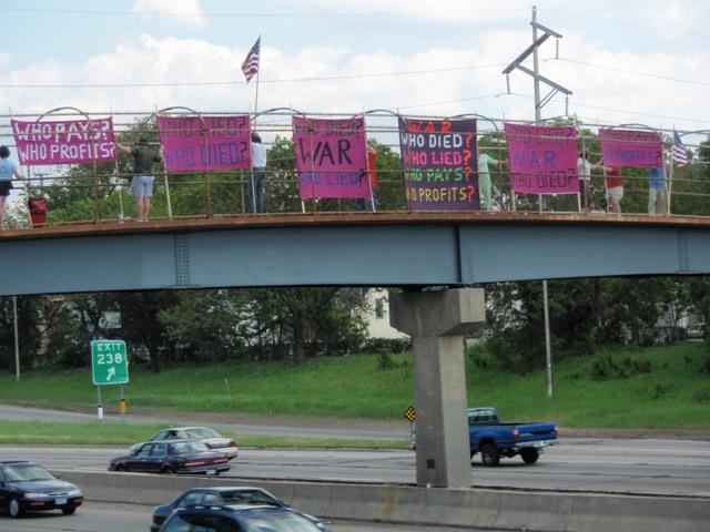 2008-06-02-PeaceWhoLiedonSnellingfootbridgewebsize.JPG