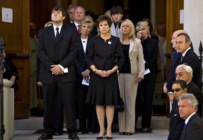 2008-06-18-funeralstairs.jpg