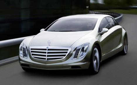 Mercedes F700 photo