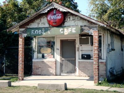 2008-10-22-rosescafe.jpg