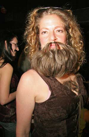 2008-11-07-womanbeard.jpg