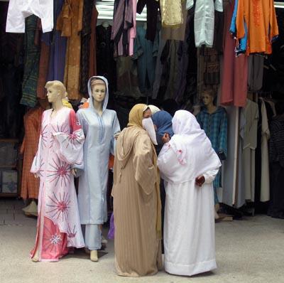 2008-12-07-CasablancaMoroccowomenAbuFadil.jpg