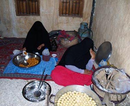 2008-12-07-TraditionalQatariwomenAbuFadil_.jpg