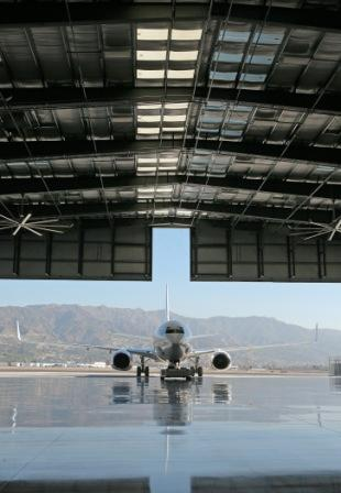 2008-12-11-hangar2.jpg