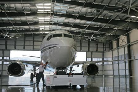 2008-12-11-hangar3.jpg