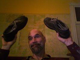 2008-12-17-ThrowMyShoes.jpg