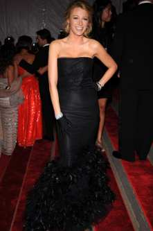 2009-01-02-BlakeLivelyBlackFeatherGown.jpg