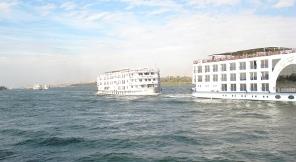 2009-01-10-cruiseshipTWO.jpg