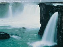 2009-01-14-WaterfallIce.jpg