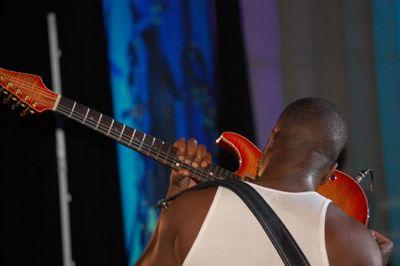 2009-01-22-wyclef.jpg