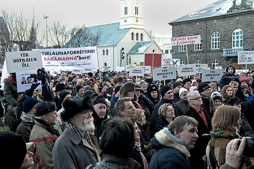 2009-01-23-OLDERFOLKSDOWNTOWNjohannesgskulason.jpg