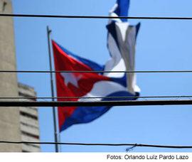 2009-03-19-banderas_y_cables.jpg