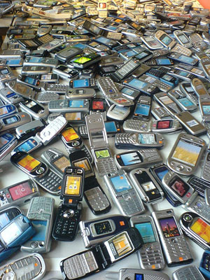 cell phone recycle photo