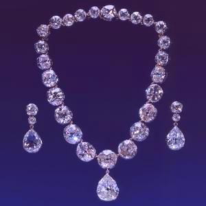 2009-04-22-QueenVictoriadiamondnecklace.jpg