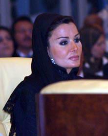 2009-04-23-SheikhaMozahRoyalConsortQatarAbuFadil.jpg