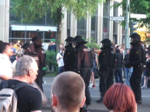 2009-05-02-cops.jpg