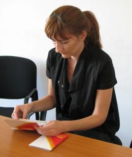 2009-05-19-trafficking_catalogs2.JPG