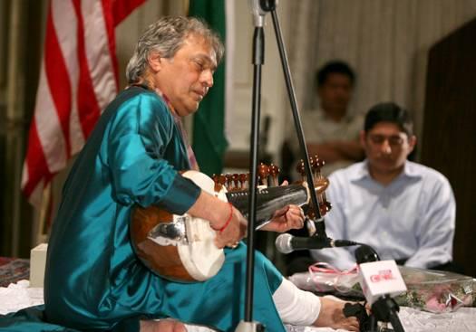 2009-06-07-Khan1.jpg