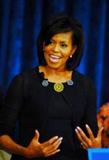 2009-06-14-Michelle_Obama_Clinton_to_address_DNC.jpg