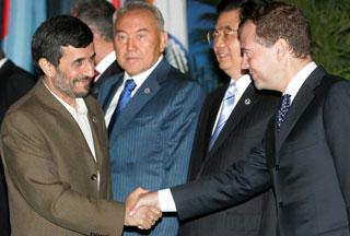 2009-06-29-AhmadiMedvedev.jpg