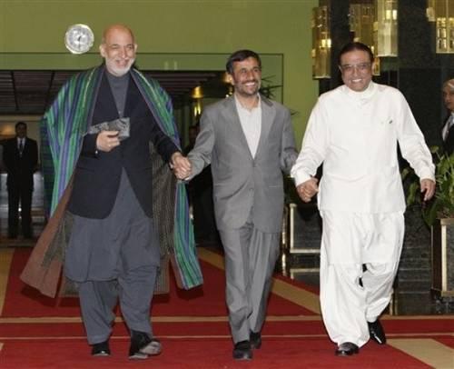 2009-06-29-KarzaiAhmadiZardari.jpg