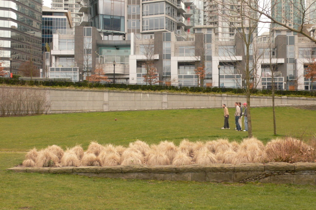 2009-06-30-VancouverPlayingBowls0476.jpg