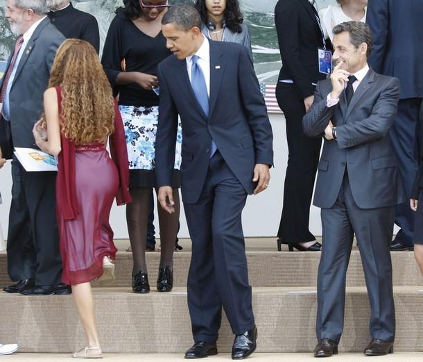 2009-07-10-ObamaReutersOgling.jpg