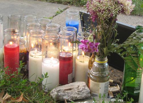 2009-07-23-SidewalkMemorial.jpg