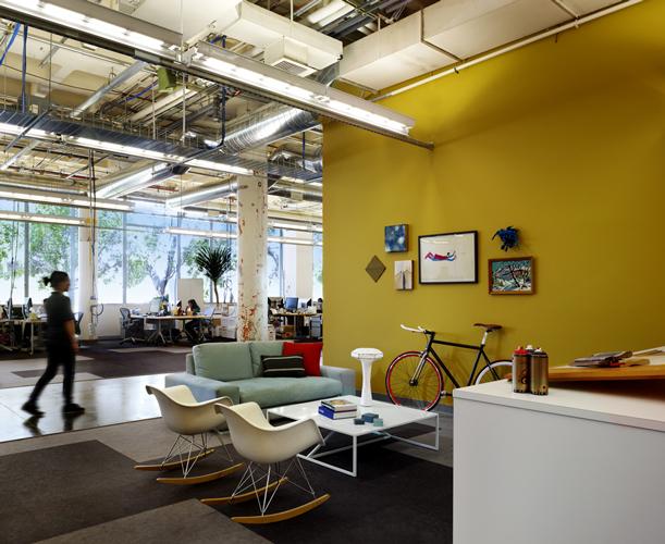 2009-07-28-facebook_design_area_1.jpg