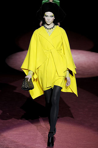 2009-08-20-RZ_MUSTHAVEMarcJacobsYellowCoat.jpg