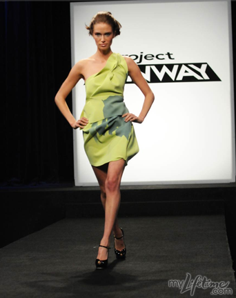 2009-09-04-Mitchell_RL_Look2.png