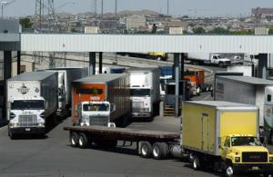 2009-09-04-mexicanbordertrucks.jpg