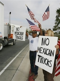2009-09-04-mexicantruckprotests.jpg