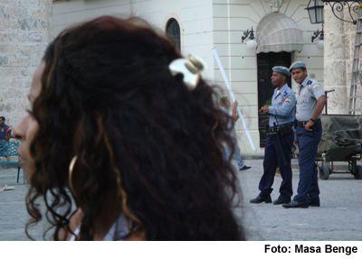 2009-09-13-policias.jpg