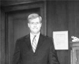 2009-09-22-JudgeMarkFuller5standing.jpg
