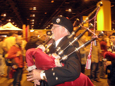2009-09-28-Bagpipers.jpg