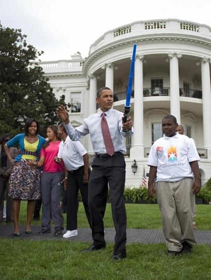 2009-09-30-obamalightsaber.jpg