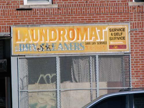 2009-10-01-laundromat.aveR.jpg