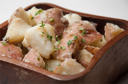 2009-10-07-warm_potato_salad.jpg