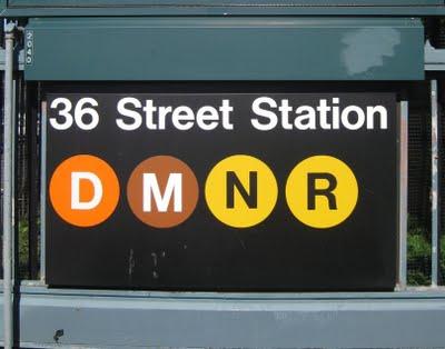 2009-10-08-DMNR36thstsign.jpg
