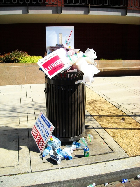 2009-10-12-garbage1.jpg